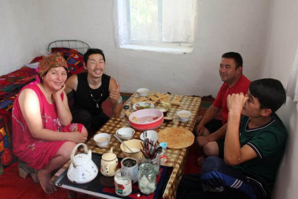 カザフスタン人の方の家に民泊